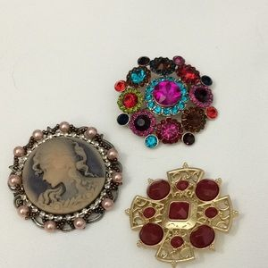 Brooches cameo set of 3 vintage